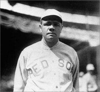 Babe Ruth en la Serie Mundial de 1918 se destacó más por su pitcheo que por su bate. Ganó dos partidos. ||| Foto tomada de boston.com