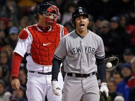 Jacoby Ellsbury en su primer año con los Yankees rindió, pero el equipo al igual que los Red Sox no clasificó. ||| Foto de AP vía usatoday.com