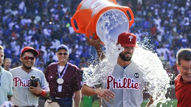 Cole Hamels no permitió hits a los Cubs y entró en la historia. /// Foto tomada de sportsnet.ca